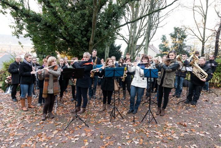 Das Jugendorchester bei der Gedenkstunde zum Volkstrauertag